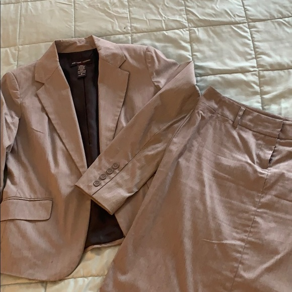 New York & Company Other - NY&CO lightweight stretch suit size 6
